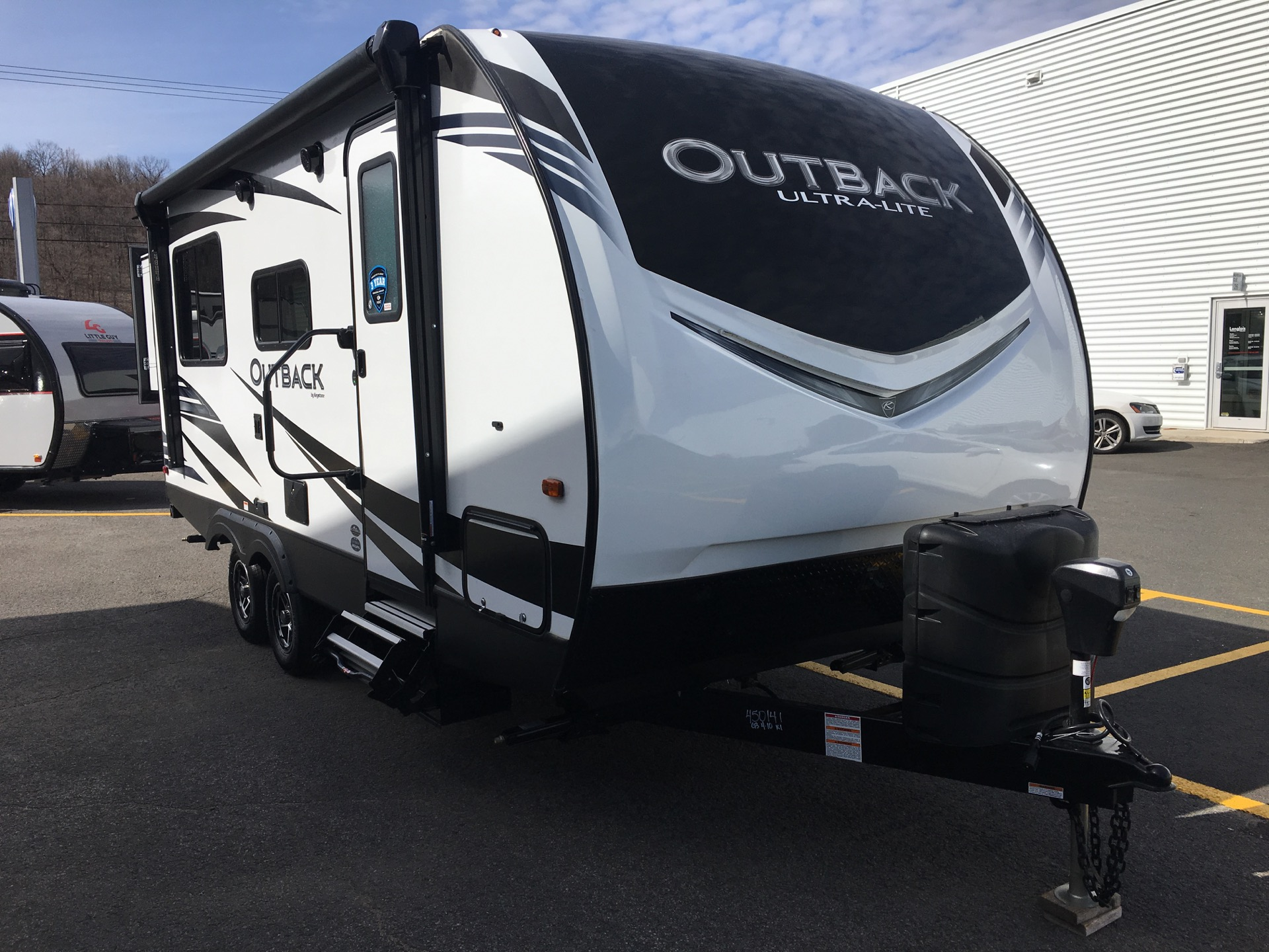 Outback Ultra-Lite 210 URS